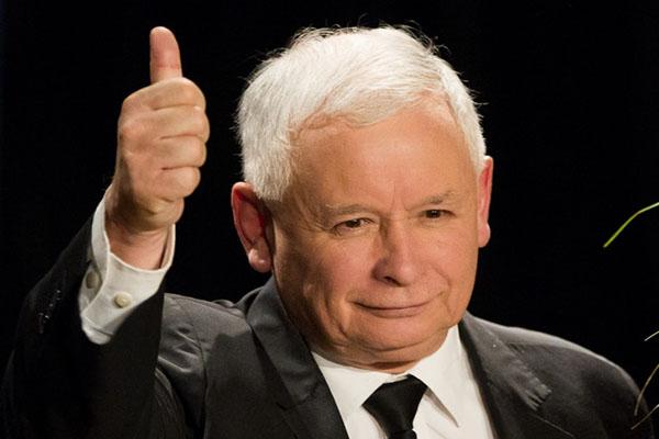 Jaroslaw-Kaczynski-approves